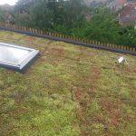 Montering af grønt tag på skrå hældning  004